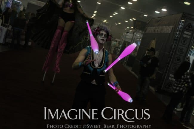 LED Juggler, Vapers Carnivale, Imagine Circus, Performer, Adam, Photo by Sweet Bear Photography