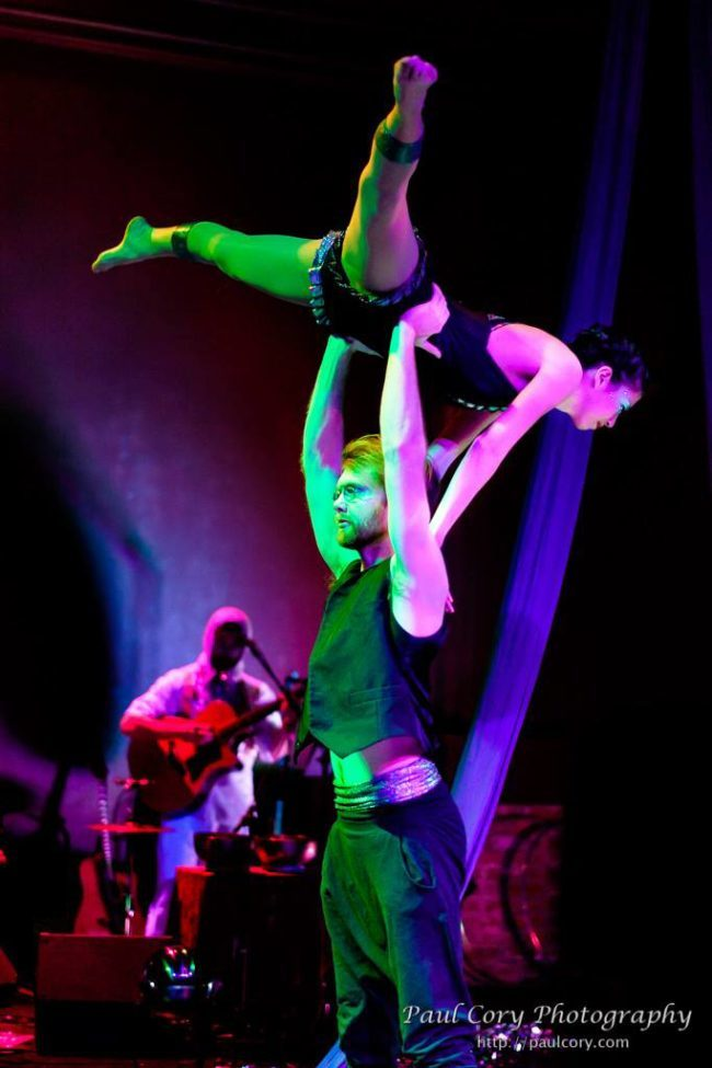 Light Pours In | Acrobatic Performance | Partner Acro | Duo | Imagine Circus | Cirque | Raleigh, NC