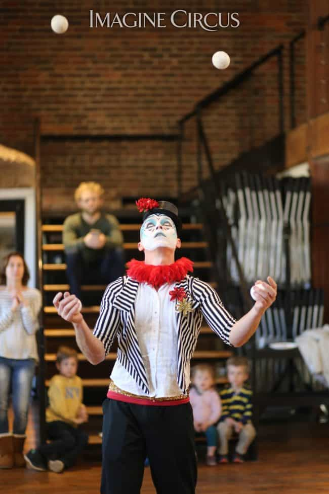 Cirque | Juggler | Adam | Imagine Circus | HQ Raleigh | Photo by Kaili Ingram