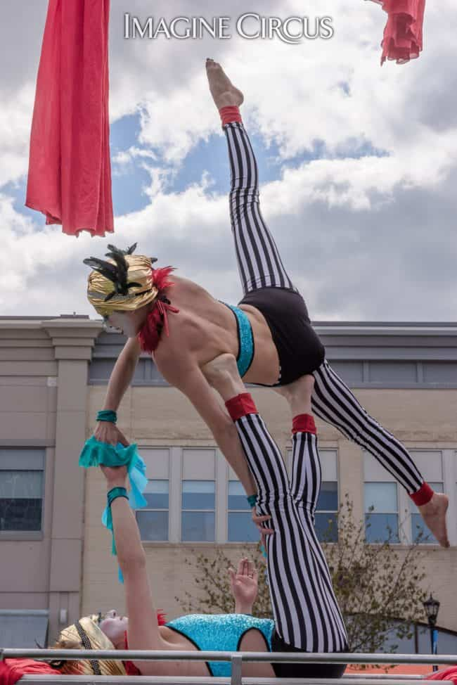 Acrobats | Acro Duo | Katie & Kaci | Imagine Circus | North Hills | Photo by Slater Mapp
