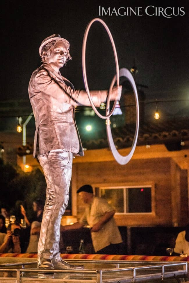 Dustin, Living Statue, Hooper, Imagine Circus, Mulino, Photo by Slater Mapp