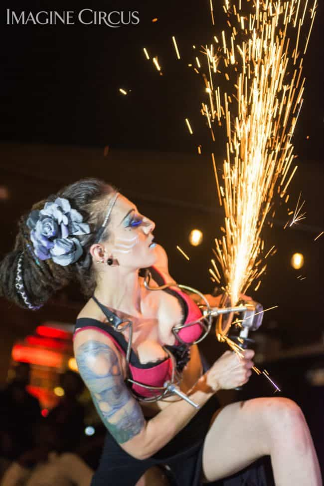 Tik-tok, Grinder Girl, Spark Show, Imagine Circus, Mulino, Photo by Slater Mapp