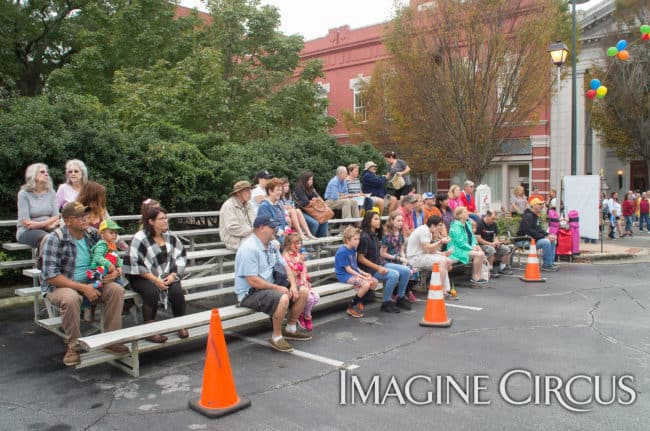 Audience, Mum Fest, Imagine Circus, Photographer Charles Lytton