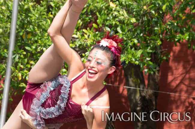 Kaci, Acrobat, Mum Fest, Imagine Circus, Photographer Charles Lytton