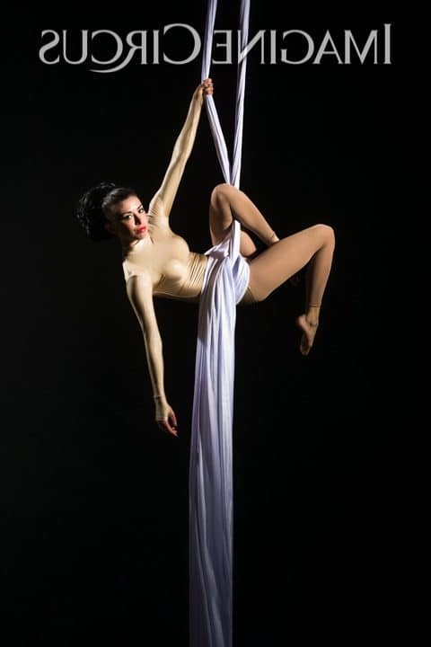 Aerial Silks, Aerialist, Upscale Event, Imagine Circus, Performer, Kaci, Photo by Brooke Meyer