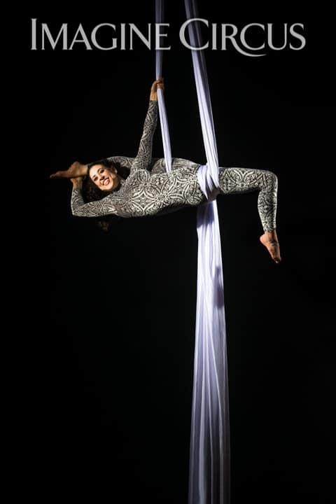 Aerial Silks, Aerialist, Upscale Entertainment, Imagine Circus, Performer, Liz, Photo by Brooke Meyer