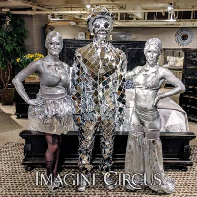 Mirror Man, Silver, Stilt Walker, Strolling Table, Classy Art, Imagine Circus, Performer, Adrenaline, Tain, Azul