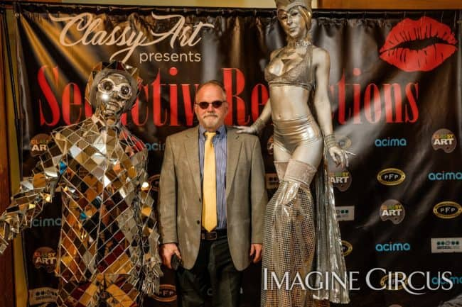 Mirror Man, Silver Stilt Walker Living Statue, Classy Art, Imagine Circus, Tain, Adrenaline, Photo by the Nixons Photography
