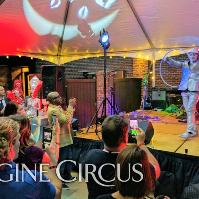 Silver Hoop Statue, Living Statue, Performer, Classy Art, Imagine Circus, Dustin, Photo by the Nixons Photography