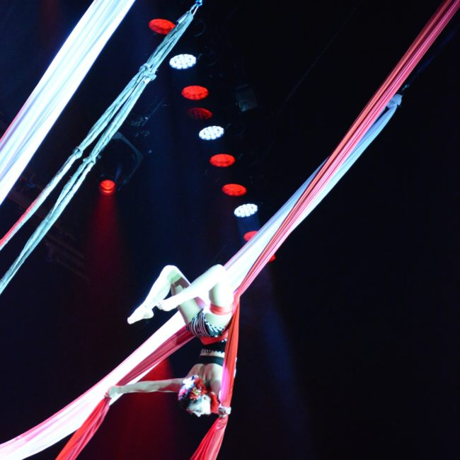 Aerial Silks, Stage Show, Harrahs Casino, Cherokee, NC, Imagine Circus, Performer, Liz, Photo by Susan Dipert Scott