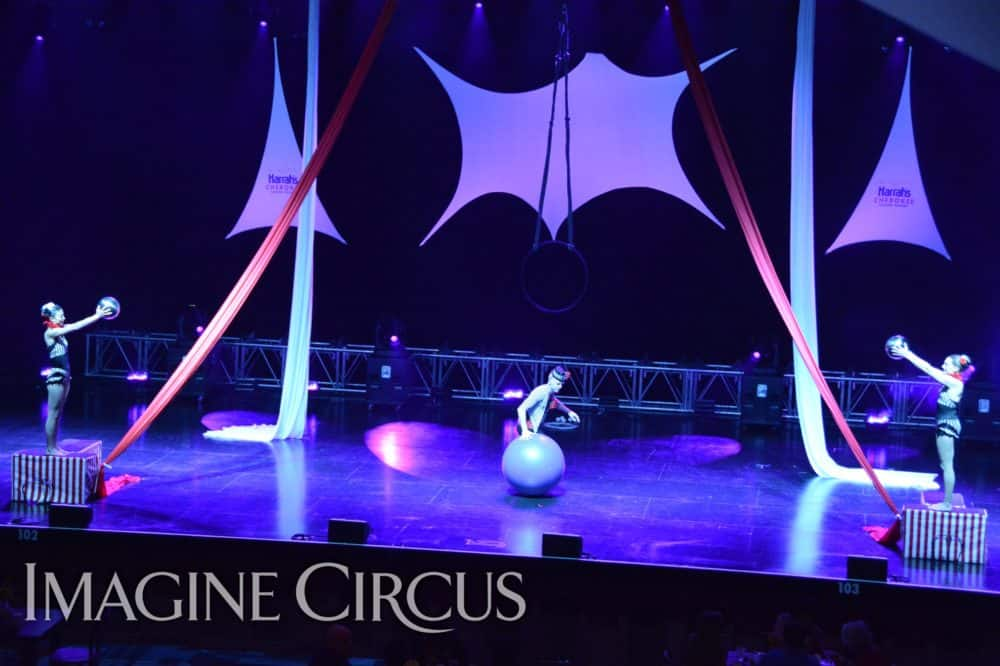 Circus Stage Show, Rolling Globe, Mirror Balls, Harrahs Casino, Cherokee, NC, Imagine Circus, Performers, Kaci, Katie, Adam, Photo by Susan Dipert Scott