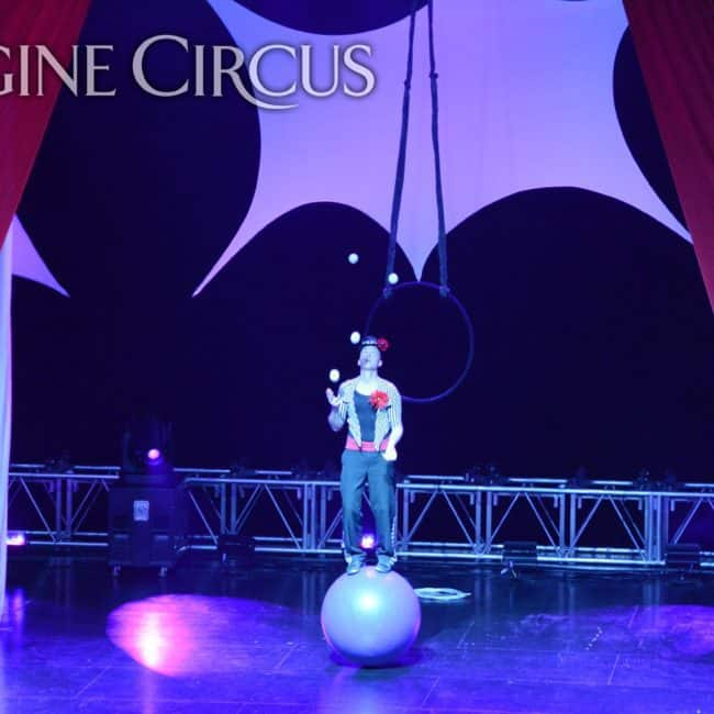 Juggler, Harrah's Casino, Cherokee, NC, Imagine Circus, Adam, Photo by Susan Dipert Scott