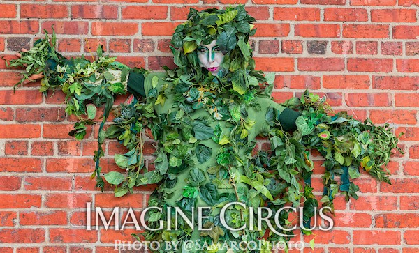 Vine Stilt Walkers, Green Forest Fairy, Liz, Imagine Circus, Walter Magazine, Photo by Gus Samarco