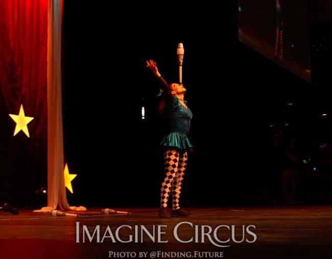 Juggling, Lucy, Cirque Celebration, Stage Show, Imagine Circus Performer, Photo by Finding Future
